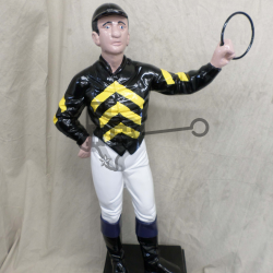 jockey-black-yellow-arrows